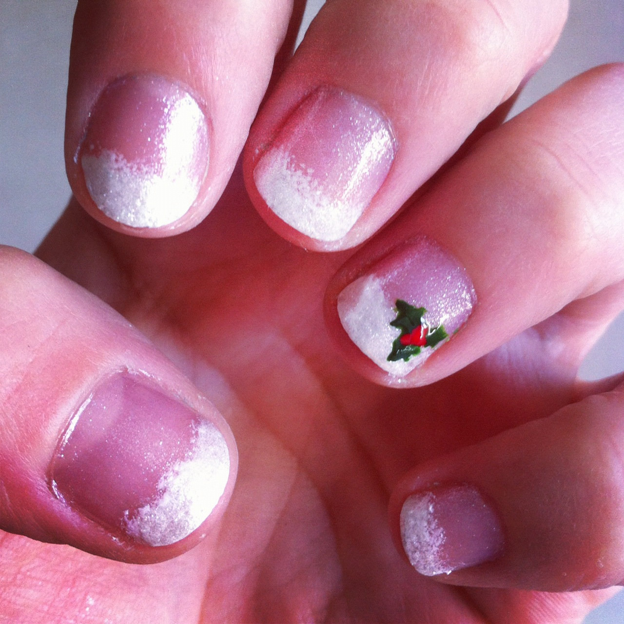 mistletoe nails