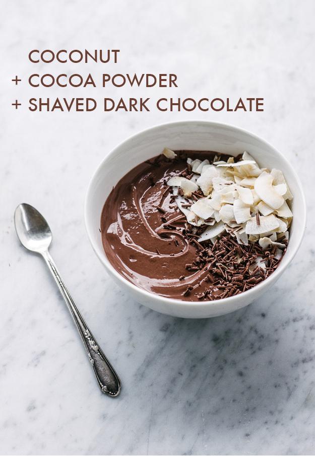 yogurt con coco y chocolate