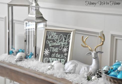 Honey We're Home Christmas Mantel.16