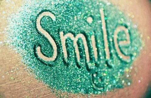 smile glitter